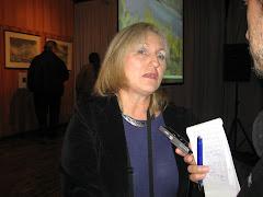 PILLI   PRELLER entrevistada por un periodista