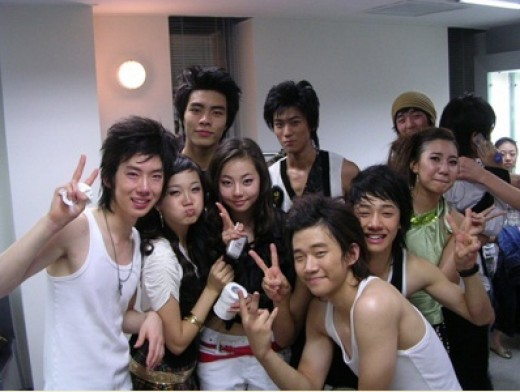 news] Photo with young JYP trainees Wonder Girls, 2pm, 2am and BEAST