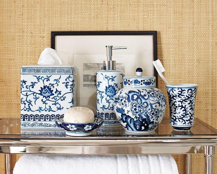 Dose of Design Love it  Blue  White bath accessories