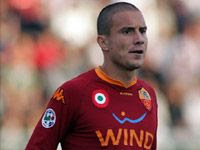 Vanni Puzzolo memastikan belum ada perkembangan ihwal perpanjangan kontrak kliennya den Terkini Brighi Tunggu Kontrak Baru, Abaikan Inter