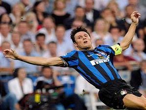 mengaku akan bahagia kalau klubnya jadi mengangkat mantan manajer AC Milan Terkini Zanetti: Latihlah Inter, Leonardo