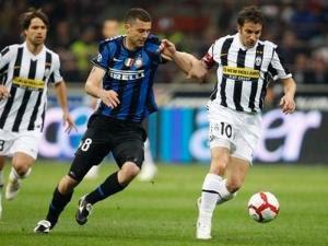 FIFA kabarnya telah memberi izin kepada gelandang Inter Milan Thiago Motta untuk memperkua Terkini FIFA Izinkan Motta Berkostum Italia
