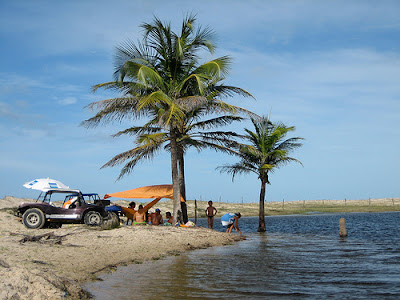 Piquinique sob os coqueiros nas lagoas