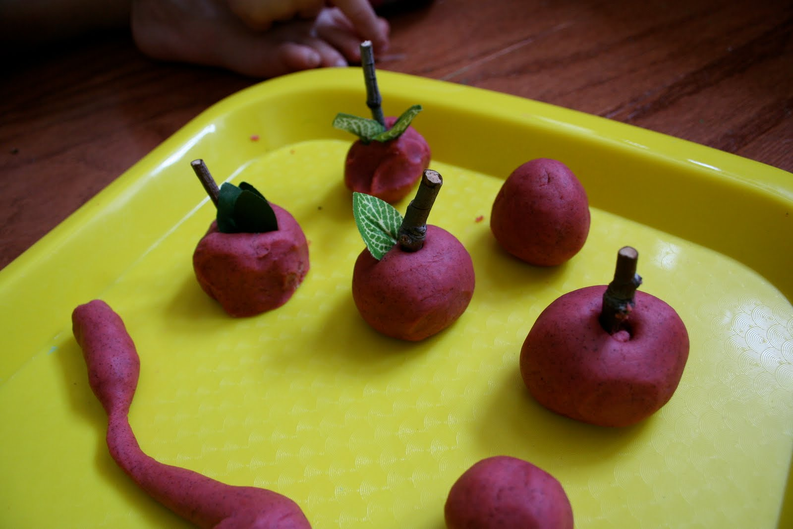 Pink And Green Mama Preschool At Home Apple Themed Play Dough Recipe And Activity