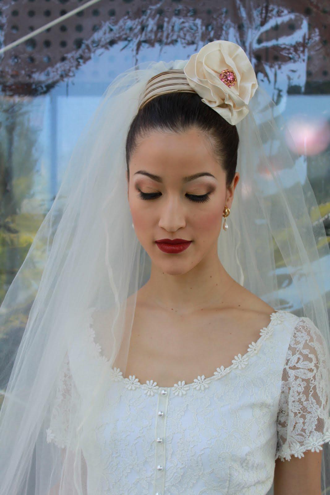 BRIDE CHIC: HEADPIECE, VEIL (OR BOTH)?
