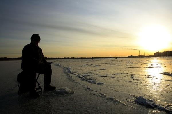 We Love Helsinki: Kuvareportaasi talvipäivästä Vanhankaupunginselän jäällä