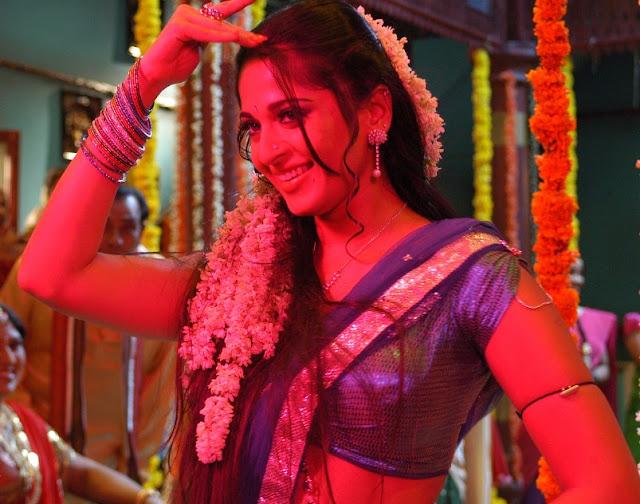 Anushka Shetty As Prositute In Vedam Telugu Movie-7844