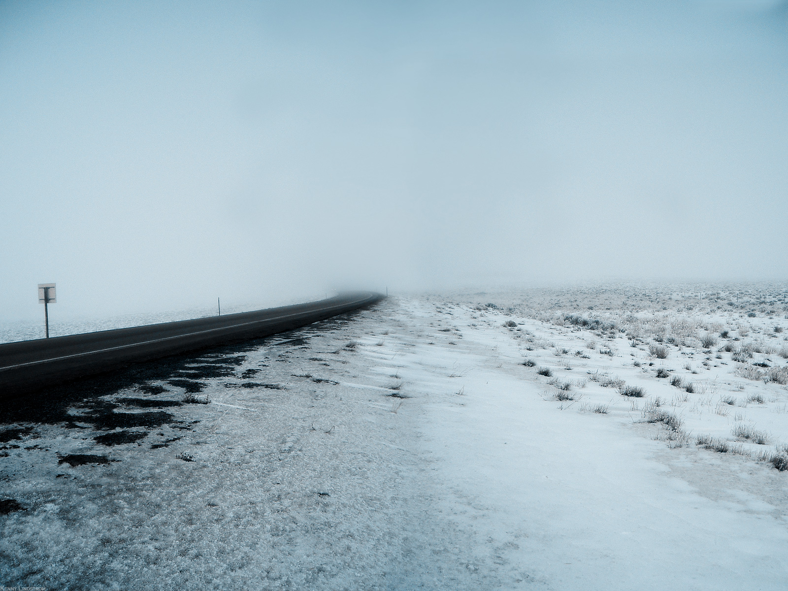 https://1.bp.blogspot.com/_TcwbPuj2SZ0/TEBJzqgo2dI/AAAAAAAAQ3c/MqfWJnitW2w/s1600/Winter-Road-Desktop-Background.jpg