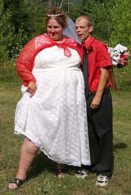 ساعد نسرين الايمن عروسة بس مدسوسة