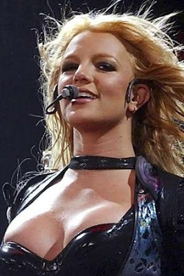 britney spears in a bra
