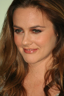 Alicia Silverstone Hairstyles Pictures, Long Hairstyle 2011, Hairstyle 2011, New Long Hairstyle 2011, Celebrity Long Hairstyles 2065