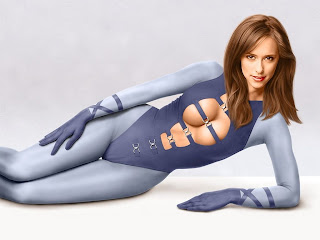 Jennifer Love Hewitt exposed wallpaper