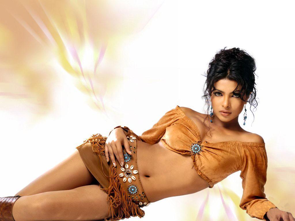 bollywood fan: Priyanka Chopra Hot Wallpapers Hottest Bollywood Girl Sizzling Poses
