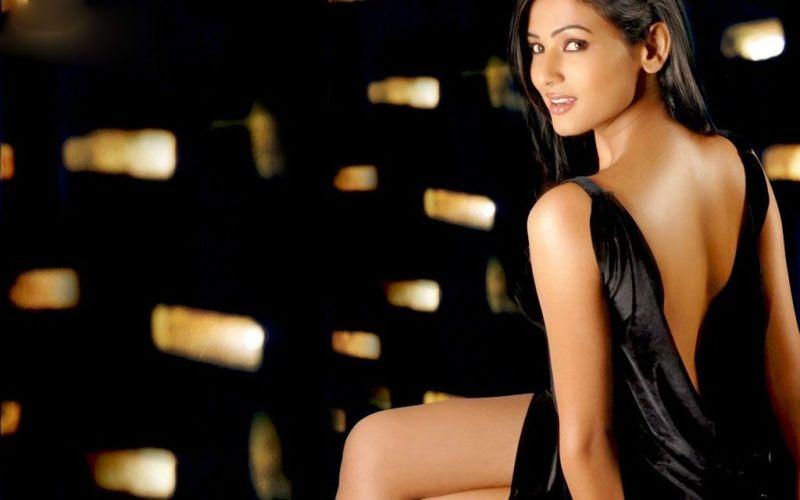 Bollywood: Sonal Chauhan Photos: Bollywood Actress