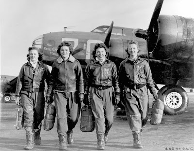 Four WASPs training to fly B-17 Flying Fortress bombers