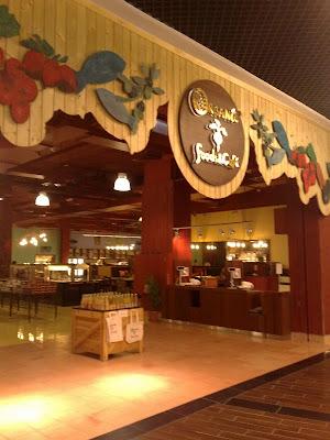 The Dubai Experience: Organic Supermarket and Cafe