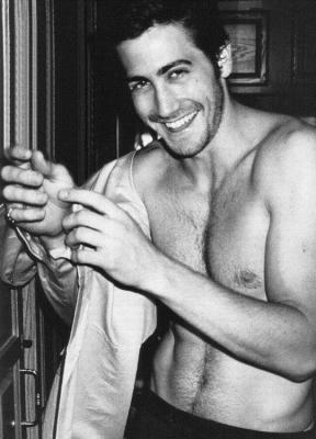 jake-gyllenhaal-shirtless.jpg