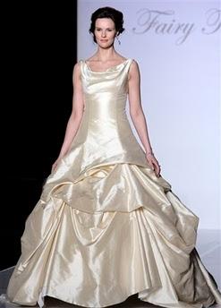 655695a72952 Her er et utvalg av flotte brudekjoler. Noen er inspirert av  Disney-prinsesser. Tenk å gifte seg som en Disney prinsesse da