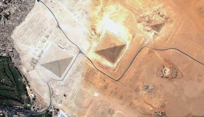 image satellite Egypte Pyramides