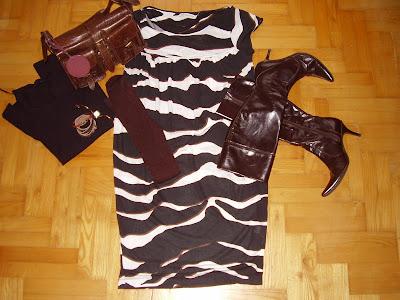 16f5a14b6e zebra mintás pamut ruha/cotton dress with zebra prints - Zara sötétbarna  bőr csizma/dark brown leather boots - made in italy (Diffusione Tessile)