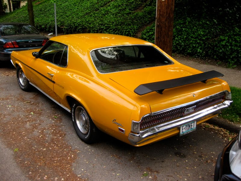 OLD PARKED CARS.: 1969 Mercury Cougar Eliminator Hardtop.