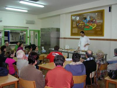 Anoche tuvo lugar el taller de repostería de la Hermandad del Perdón