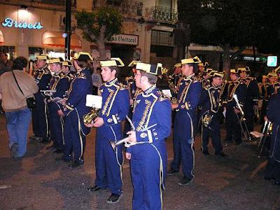 La Agrupación musical de la Virgen de las Angustias renueva hasta 2010 con los Molinos