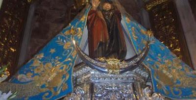 La Virgen del Mar no lucirá el manto regio esta tarde