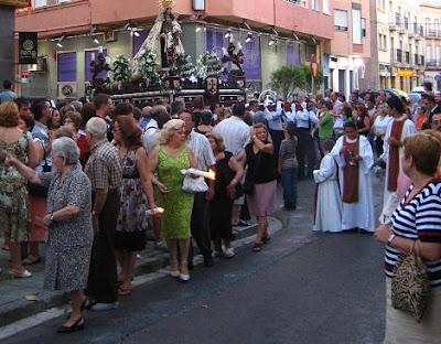 La Virgen del Carmen de San Sebastián con los más desfavorecidos