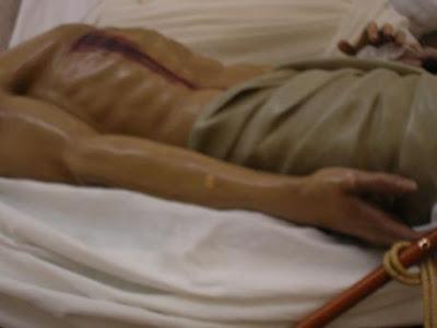 El Cristo de las Angustias está siendo restaurado por Fernando Murciano