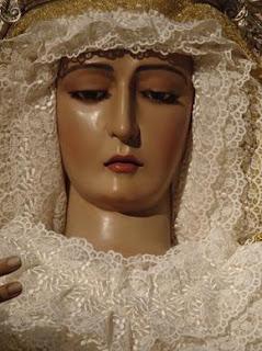 El sábado, Rosario de la Aurora con la Virgen de la Paz