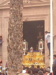 Un vídeo del Cautivo saliendo de la Catedral