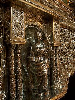 172 ángeles en el palio del Consuelo