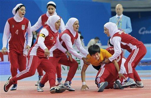 Muslim Women in SPORTS: November 2010