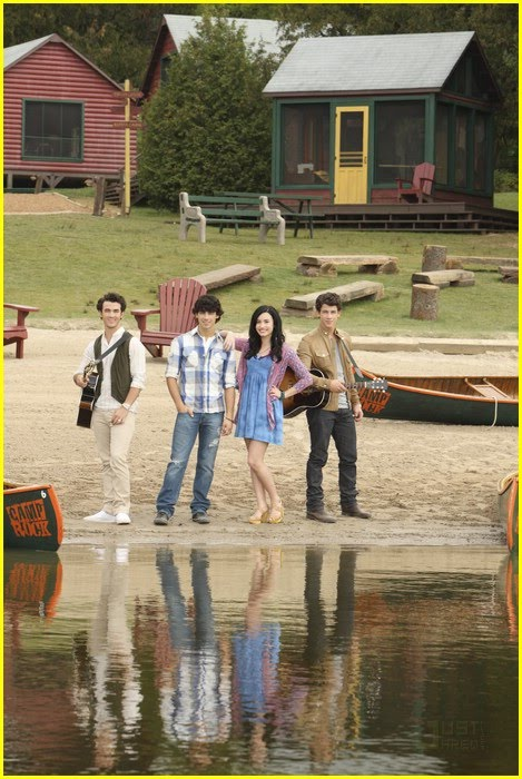 its a wonderful movie your guide to family and christmas movies on tv camp rock 2 the final. Black Bedroom Furniture Sets. Home Design Ideas