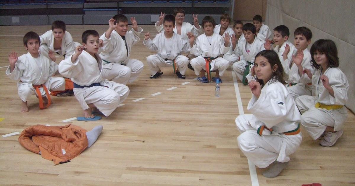 Dojo cambrils els judokes cambrilencs assoleixen molt - Pavello olimpic reus ...