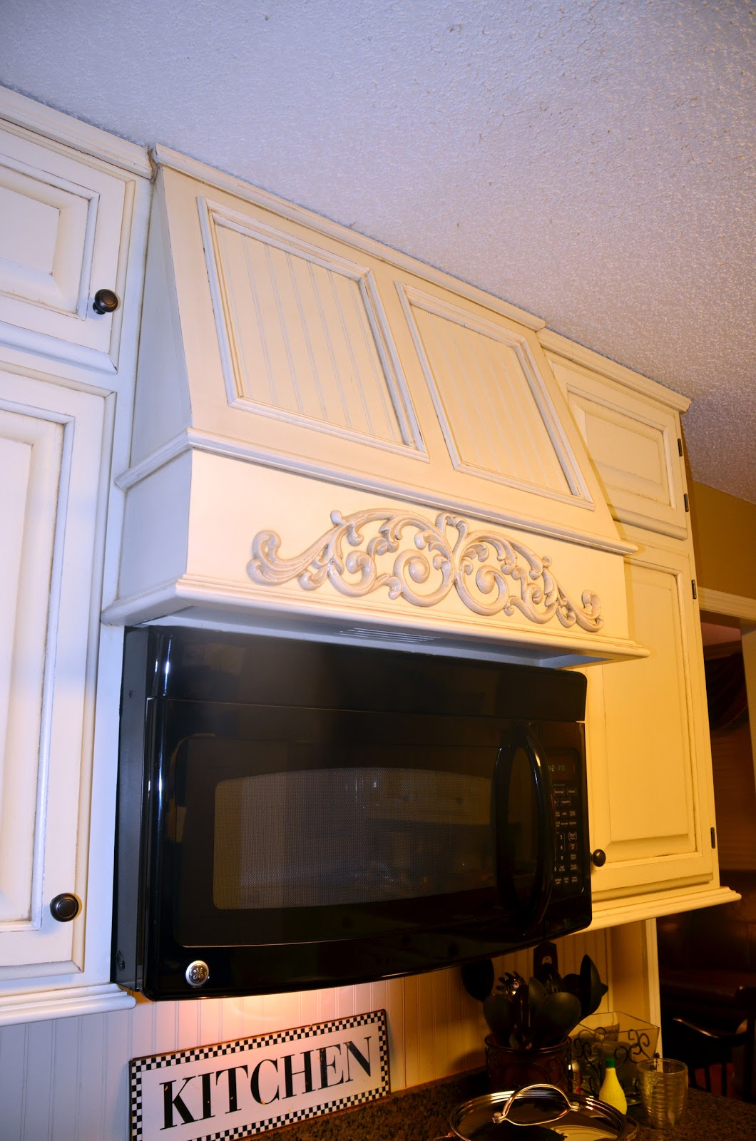 Kitchen Vent Hood with Microwave