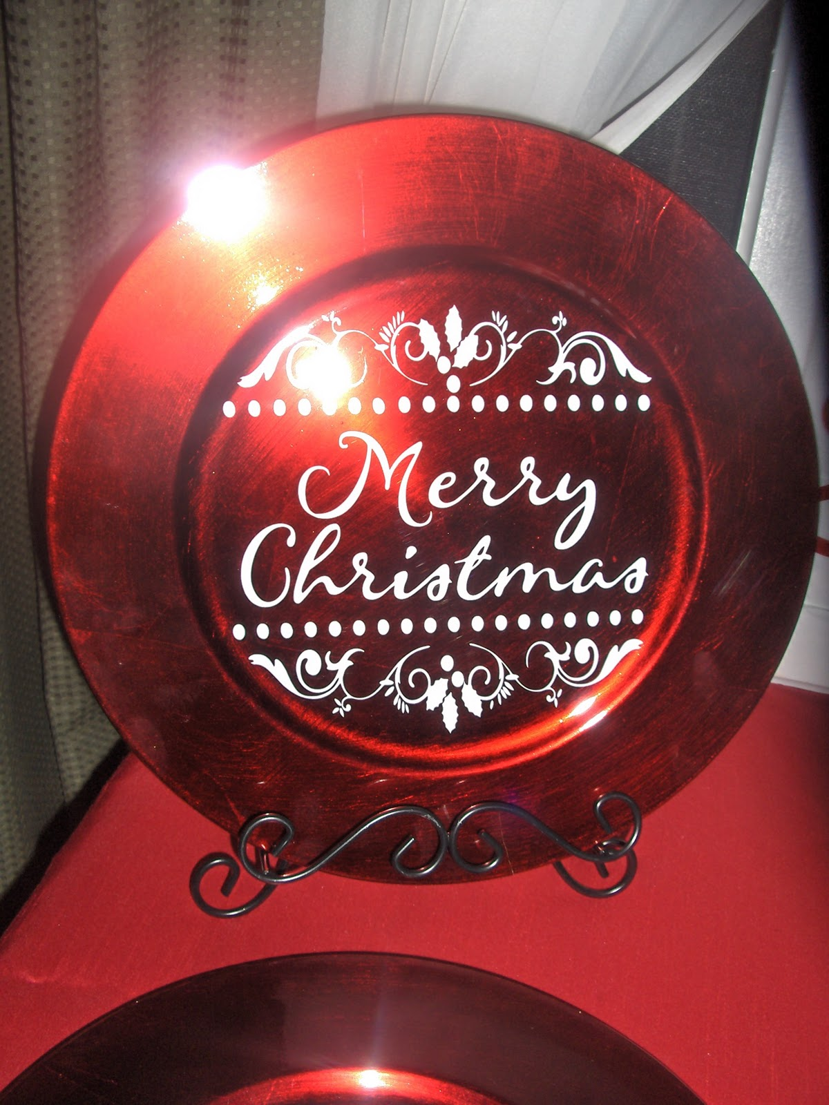 Painted White Left The Hinges And Handle On It Makes A Great Christmas Decoration Red Charger Plate
