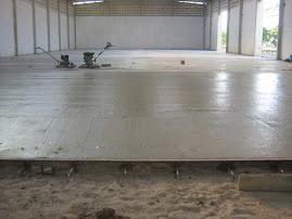 Piso de concreto industrial e esportivos
