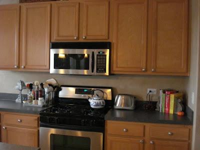 Transforming Home....: Pin stripe glazed kitchen cabinets