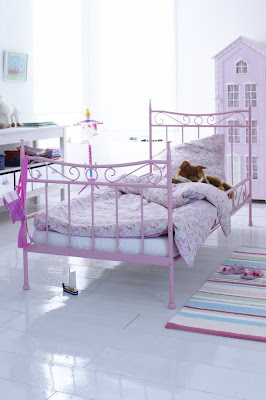 daisy pink cupcake cute kids bedrooms. Black Bedroom Furniture Sets. Home Design Ideas