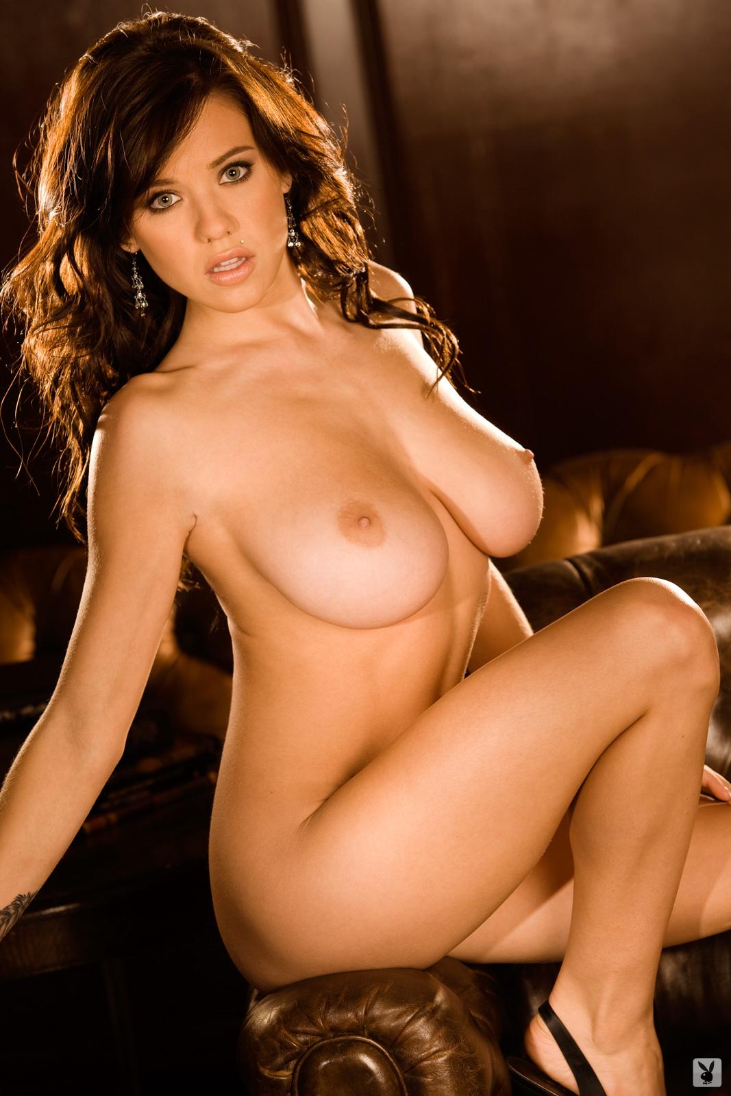 Tess Taylor Nackt