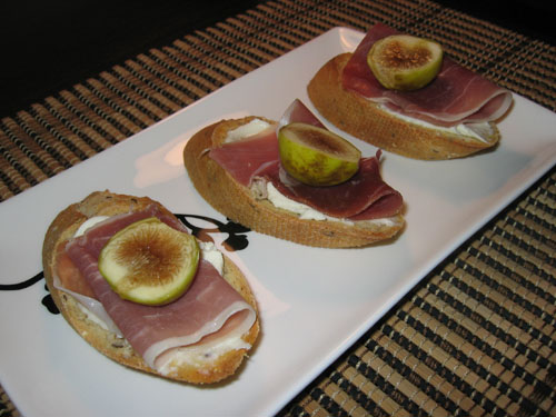 Fig Crostini with Prosciutto and Mascarpone