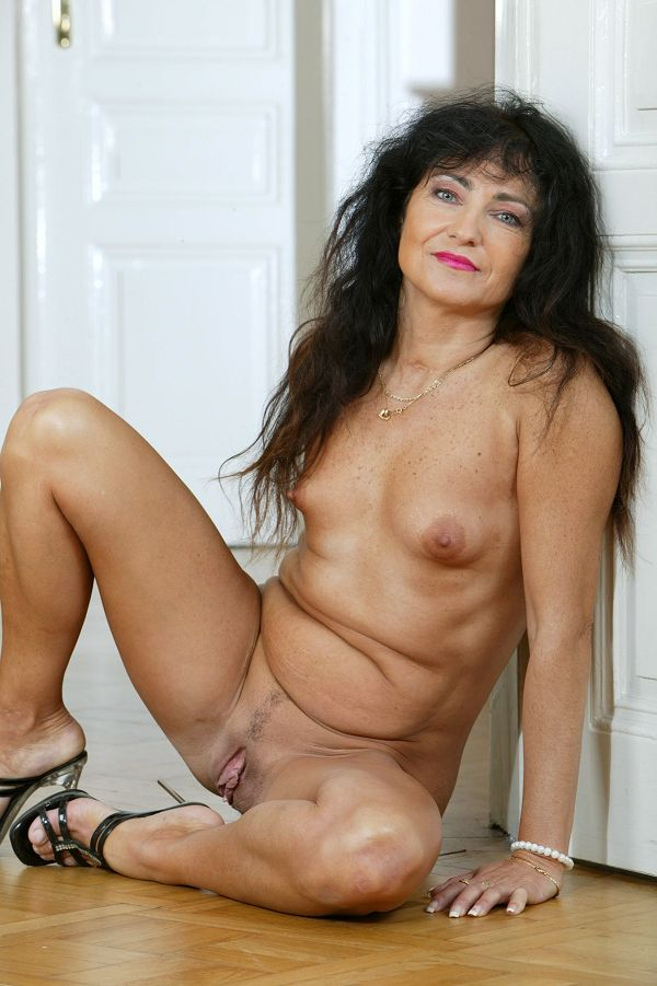 Are mistaken. Naked year old milf pics exist?