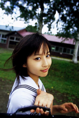Horikita Maki : Beautiful Japanese School Girl