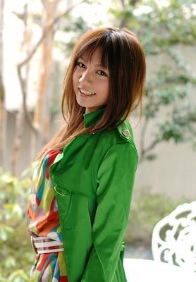 Meguru Kosaka : Hotties AV Girl
