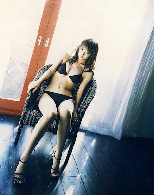 Komatsu Ayaka : Beautiful Black Bikini