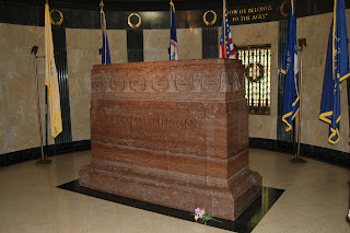 Who's buried in Lincoln's tomb?  Where's Geraldo Riveria when you need him?