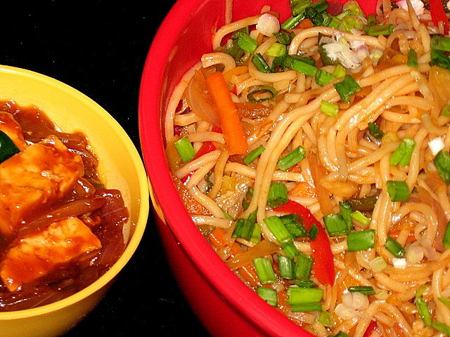 Hakka Noodles and Chilly Paneer
