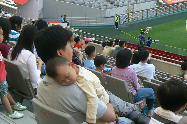 It was all too much for this young Daejeon Citizen fan